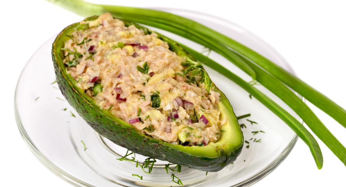 avocado met tonijn